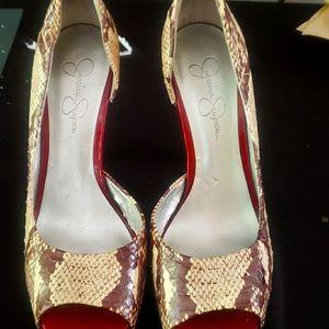 Jessica Simpson slim heels